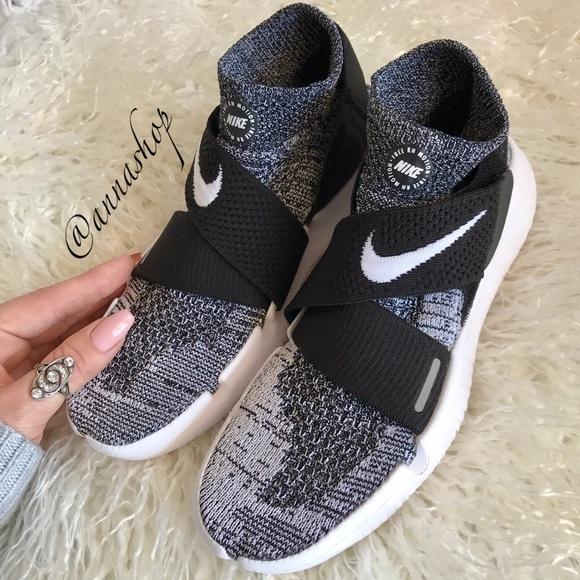 sports shoes 35545 b8efb NWT Nike Free RN Flyknit Oreo